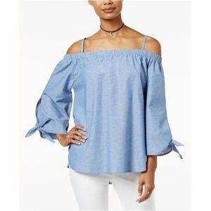 Seven Sisters | Chambray Top w/ Cold Shoulders | M